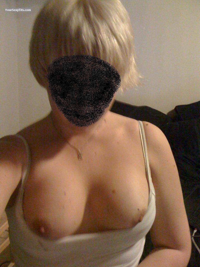 Tit Flash: Girlfriend's Medium Tits (Selfie) - Tits from Norway